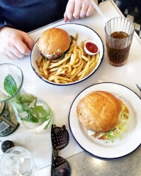Call Me Katie - Where to Eat in Paris - Paris New York for excellent French Hamburgers and Fries